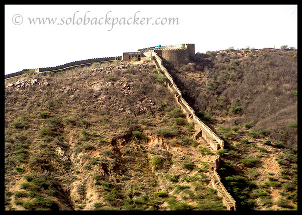 Opposite hill to Bundi Palace