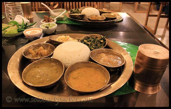 Akhaj: Veg Thali @ Delicacy Restaurant