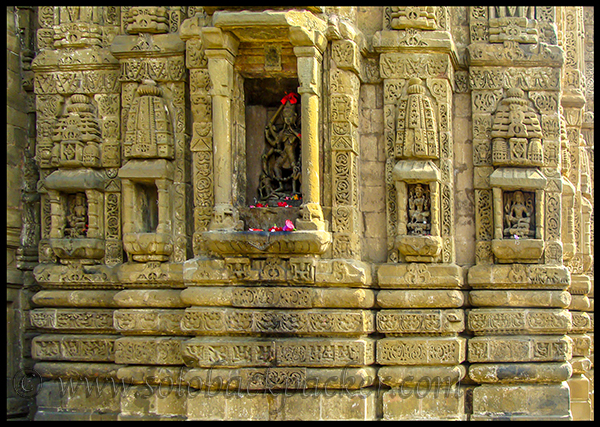 Carvings on The Wall of Baijnath Temple