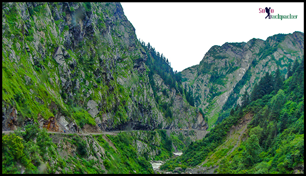 Road from Joshimath to Badrinath